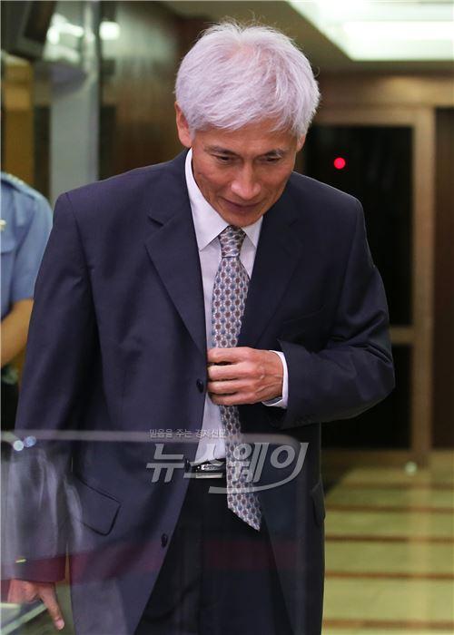 """김영진 KB금융지주 회추위원장 """"회장·은행장 겸임 당장 급한일 아냐"""""""