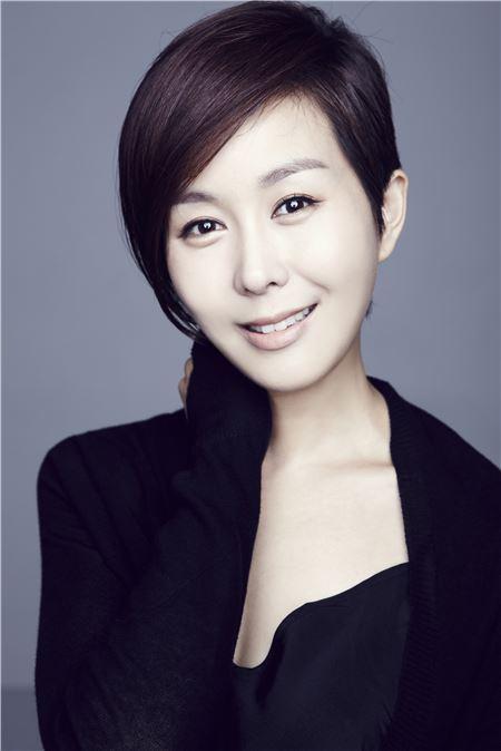 배우 유서진, 오는 11월 한 살 연상 사업가와 웨딩마치