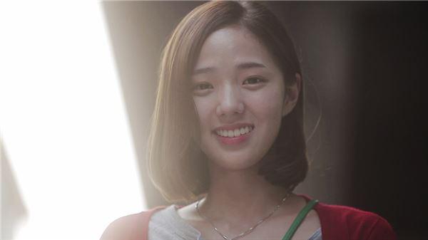 신예 채수빈, 유니크노트 데뷔 타이틀곡 '여자친구' MV 출연 '화제'