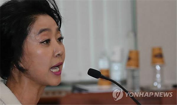 '난방비 0원' 김부선 아파트 주민 무혐의