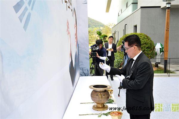 박지원 16일 방북…김정일 사망 3주기 조화 전달
