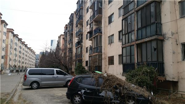 관악구 강남아파트 재건축 '삐그덕'