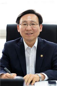 """문재도 산업부 차관 """"원전 자료 유출…안전에 영향 없어"""""""