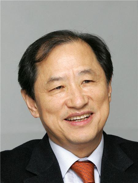 이상철 LG유플러스 부회장, 'CES 2015'서 IoT 신사업 발굴 나선다