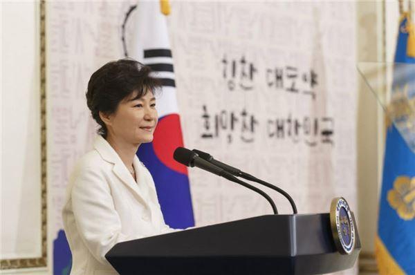 朴대통령, 올해 첫 신년인사회로 경제계 행사 참석