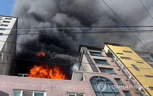 의정부 화재 최초 발화지점은 오토바이…火因 조사 중