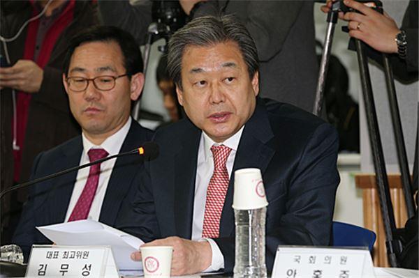 """김무성 """"어린이집 CCTV, 인권문제 있어도 의무화해야"""""""