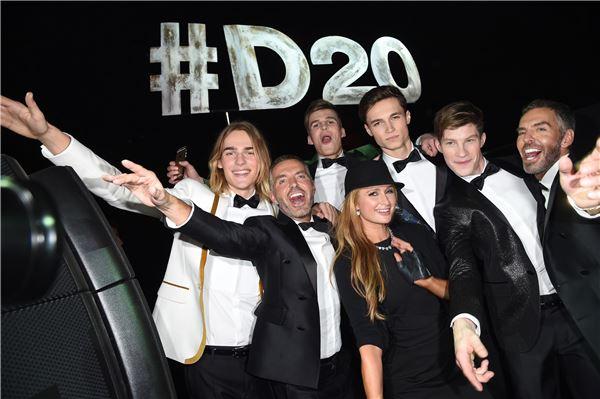 SI, 디스퀘어드² 20주년 기념 패션쇼 열어