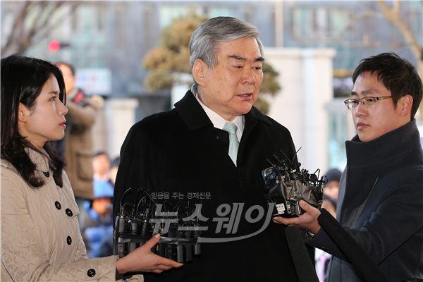 조양호 회장 증인으로 출석 '땅콩회항 2차 공판'