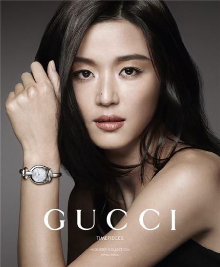 구찌, 전지현과 함께한 액세서리 아시아 광고 전격 공개