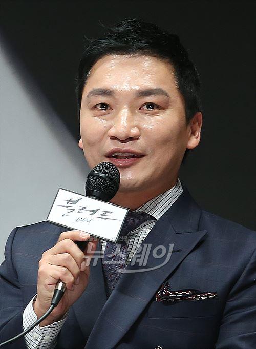 '블러드' 조재윤, 하얀 가운입고 외과 과장 연기해요~!