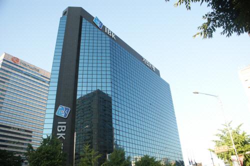 '중소기업 대출금리' 역전현상?…억울한 은행들