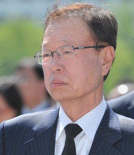박희태 전 국회의장, '캐디 성추행' 집행유예