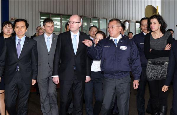 정의선 부회장-체코 총리, 현대차 울산공장 방문