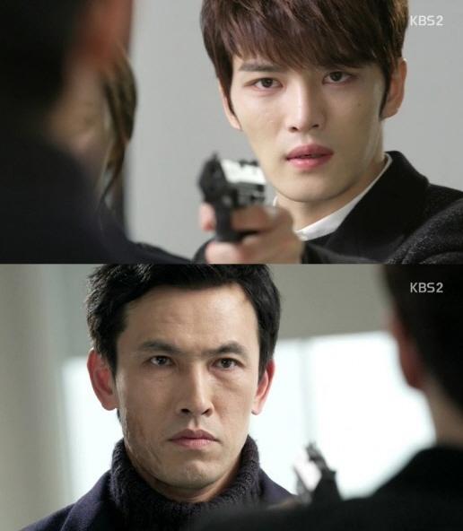 """[스파이]유오성, 김재중에 """"암호 풀면 배종옥 풀어주겠다"""" 거래 제안"""
