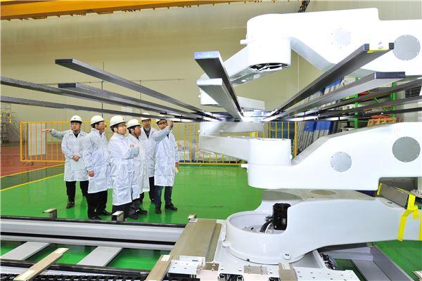 현대重, 초대형 LCD글라스 운송용 로봇 개발