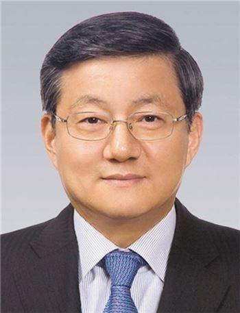 포스코, 윤동준 부사장 대표이사 선임…경영에 활력 불어 넣을까?