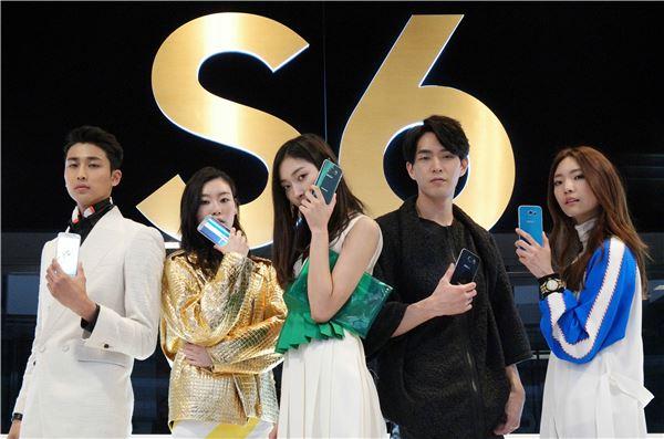 삼성전자, 애플 제치고 스마트폰 점유율 세계 1위 탈환