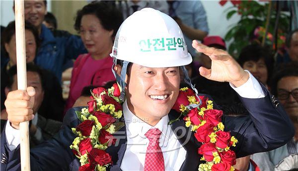 오신환, 정동영·정태호 꺾었다