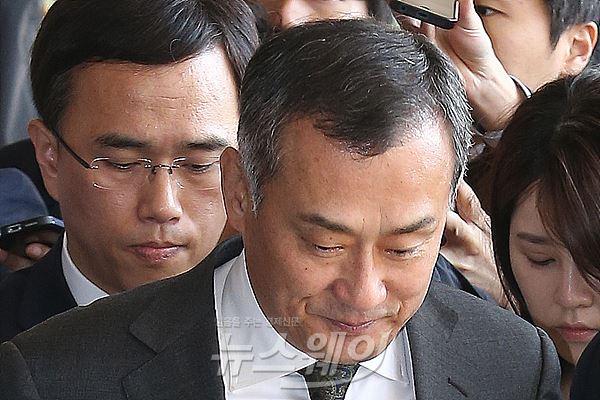 '횡령·도박' 장세주 동국제강 회장, 압수수색에서 구속까지