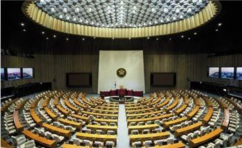작년엔 세비, 올해는 수당…국회의원 수입 논란
