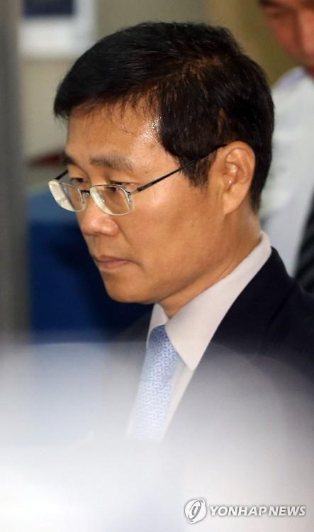 檢, '경남기업 특혜' 김진수 금감원 전 부원장보 재소환