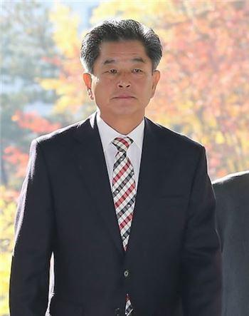 """신학용 """"주택대출 우대금리···체크카드는 찬밥"""""""