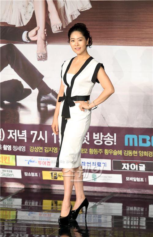 위대한 조강지처 배우 김지영