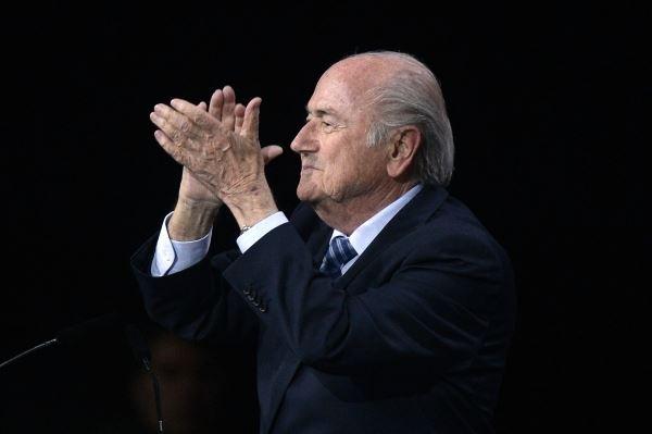 블라터, FIFA 회장직에 강한 애착 드러내