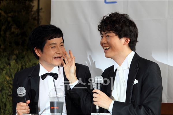 김조광수·김승환 부부, 첫 동성결혼 소송 심리 시작··法 인정할까