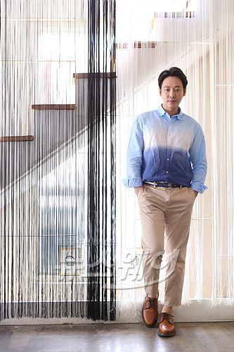 김동욱, 쉴 틈 없는 연기 중독