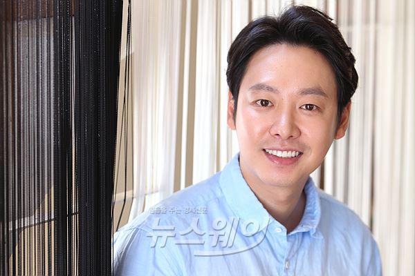 김동욱,훈남의 미소