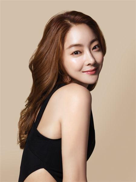 LG생활건강, 캐시캣 새 모델로 배우 서효림 발탁