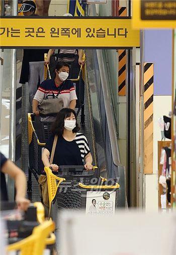 메르스 종식선언에도 한국 소비심리·경제전망 '최저치' 충격