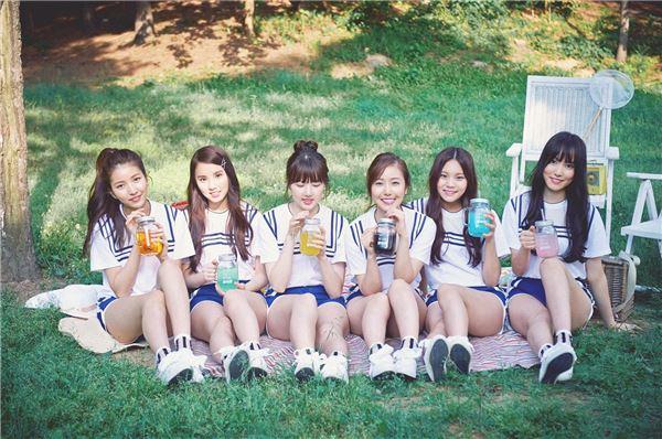 걸그룹 여자친구, 전국 팬사인회 개최…부산으로 첫 스타트