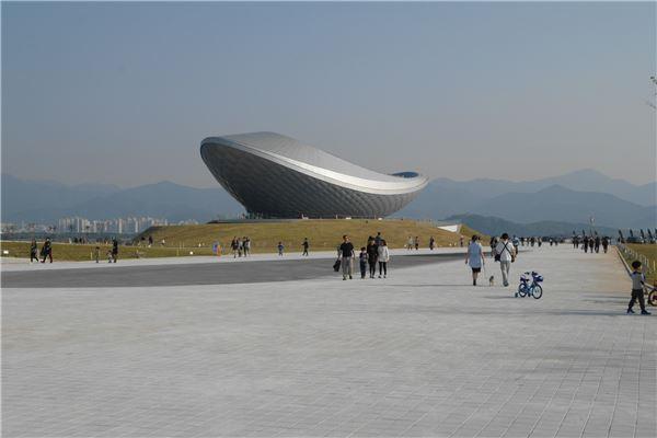 K-water-한국문화예술위, '수변공간 가치·문화예술 업무 협약' 체결