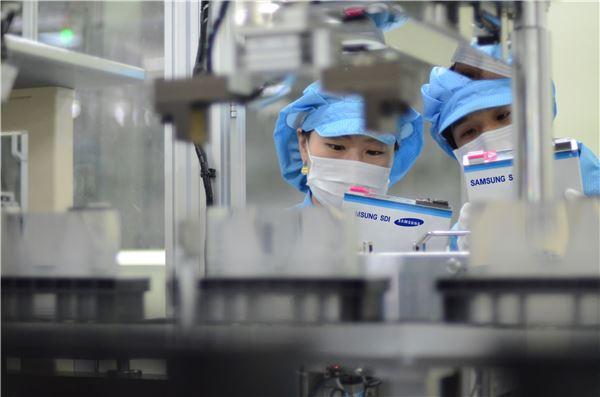삼성SDI, 아우디와 500km 주행하는 전기 SUV 공동개발