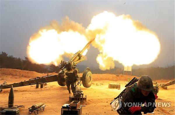 북한 포격 도발에 외신 긴급 타전…지뢰 폭발도 언급