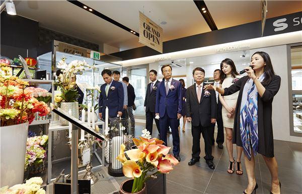 KCC, '홈씨씨인테리어 전시판매장' 서울에 첫 오픈