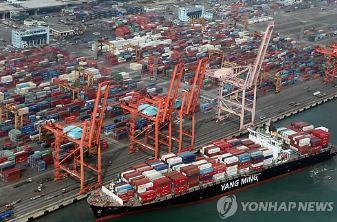 수출 8개월 연속 감소…유가 하락·中 톈진항 폭발 직격탄
