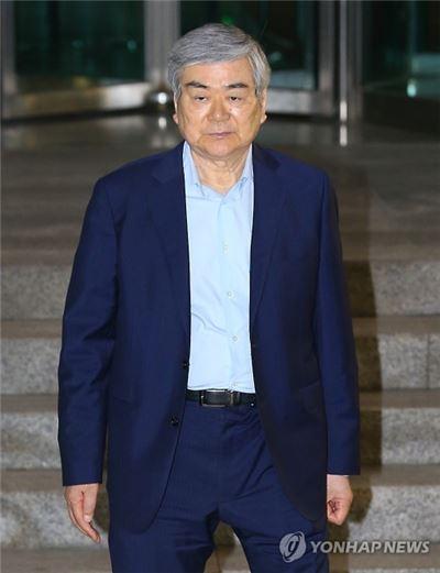 조양호 회장, '문희상 청탁' 관련 밤샘 檢 조사 후 귀가