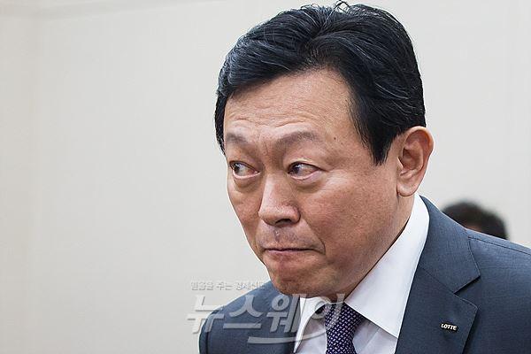 """신동빈 """"10월까지 롯데그룹 순환출자 80% 해소"""""""
