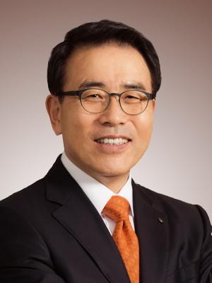 신한은행 조용병 행장, 추석맞아 남산원서 봉사활동