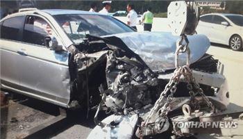 추석 귀경·귀성길 잇단 교통사고, 총 30여명 부상