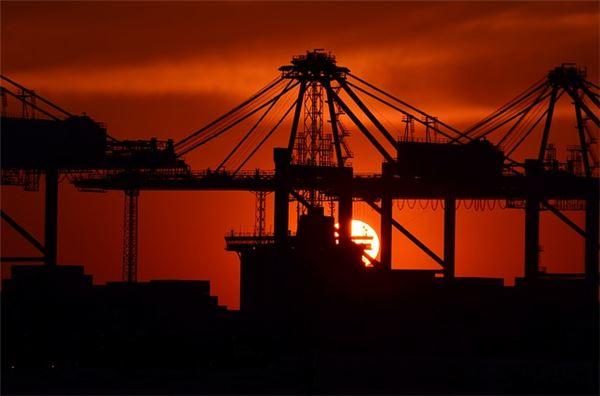 내수 상승세 가로막는 수출···경제성장률도 위협