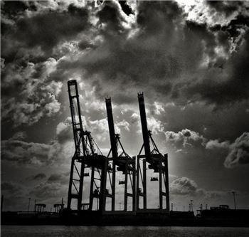 수출엔진 고장난 한국경제, 3%대 성장 막 내리나