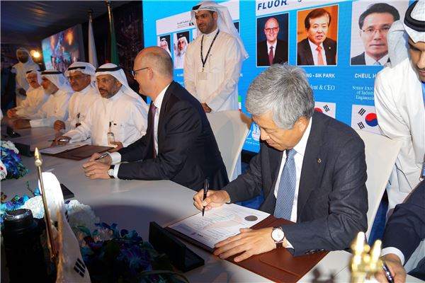 대우건설, 쿠웨이트 정유공장 2·3번 패키지 계약…2조3222억 수주고