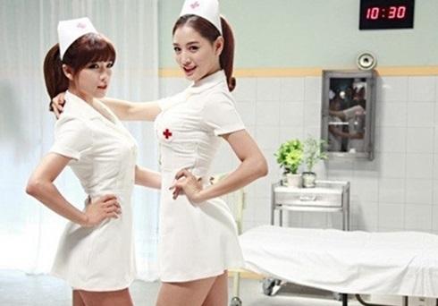 알렉스 열애 상대 조현영, 과거 섹시 간호사복 모습 화제…'깜짝이야'