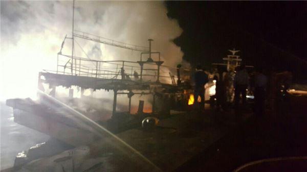 신안 흑산 예리항 정박 중 선박 화재 발생 전소 침몰...인명피해 없어