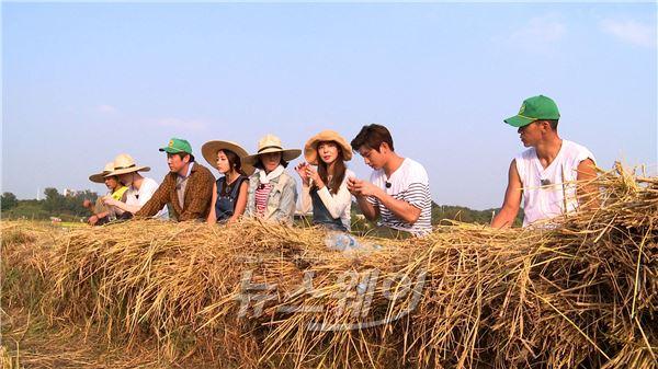 """김규리, """"아직도 엄마의 밥이 그립다""""… '식사하셨어요' ★ 쌀나눔 훈훈"""